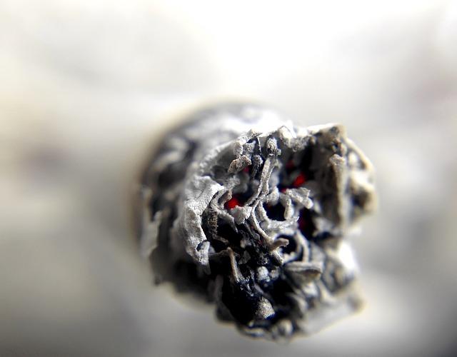 popel cigarety