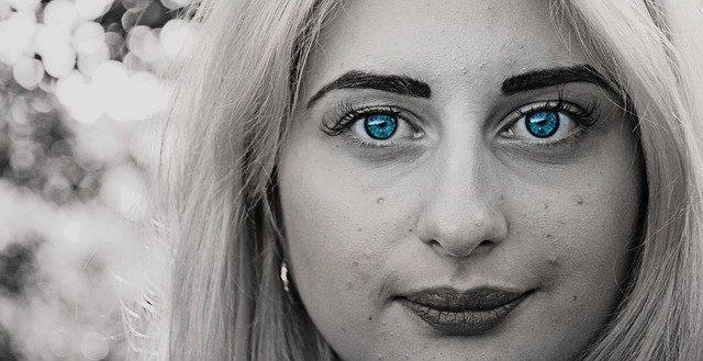 moedré oči